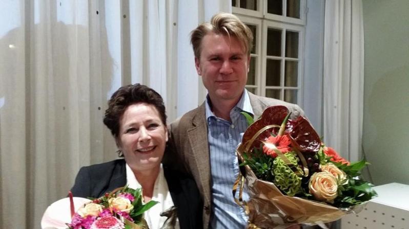 Prisvinner Lilleskjæret sammen med Eve-Marie Lund, som fikk NOs Bastian-pris for voksenlitteratur