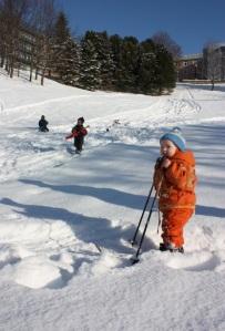 Gjett to ganger på hva barna hadde på seg under vinterdressen.